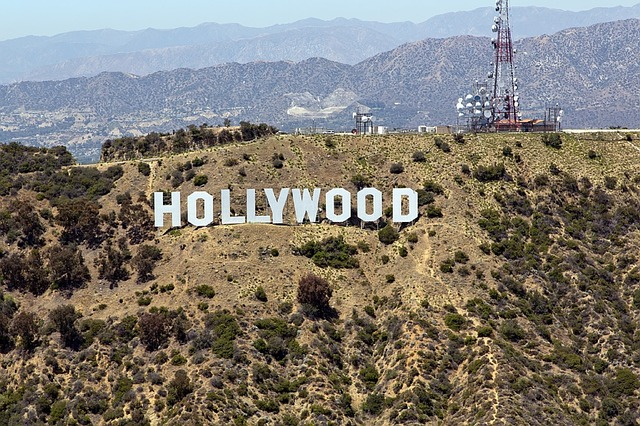 hollywood sign travelistia