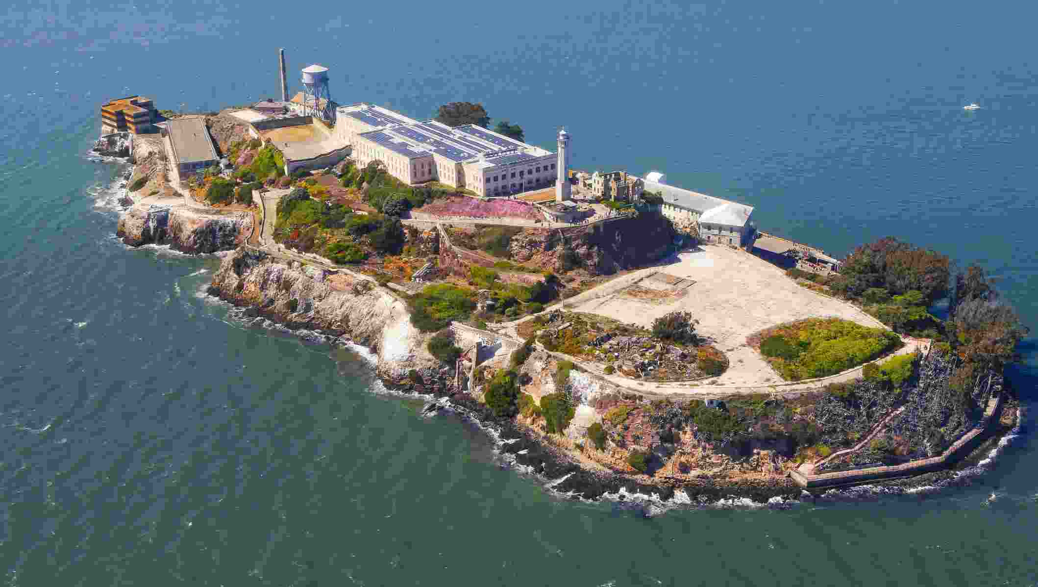 Visit Amazing Alcatraz Island for best adventure