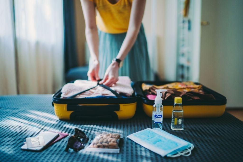 traveling alone - travelistia