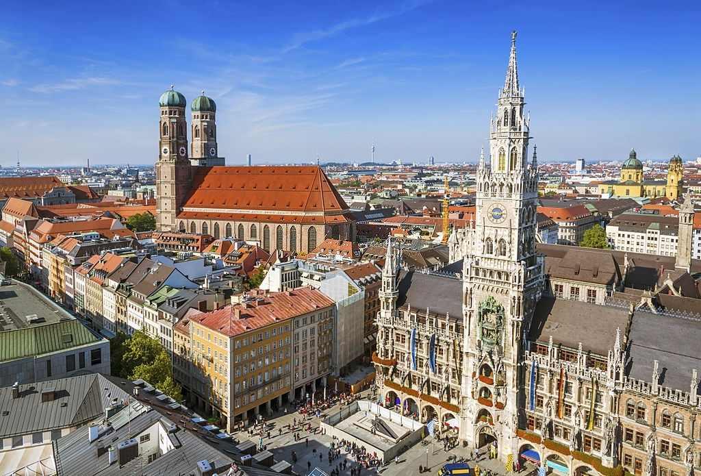 SOlo traveler in Germany - Travelistia